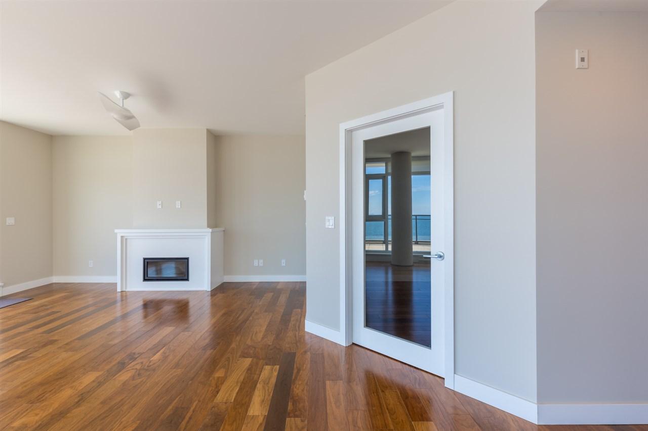 Condo Apartment at 601 5665 TEREDO STREET, Unit 601, Sunshine Coast, British Columbia. Image 14