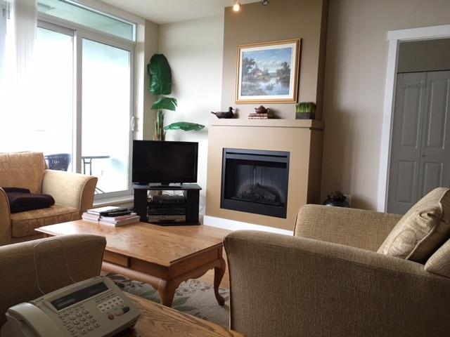 Condo Apartment at 1102 9188 UNIVERSITY CRESCENT, Unit 1102, Burnaby North, British Columbia. Image 4