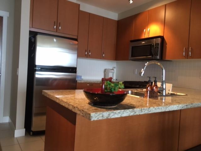 Condo Apartment at 1102 9188 UNIVERSITY CRESCENT, Unit 1102, Burnaby North, British Columbia. Image 6