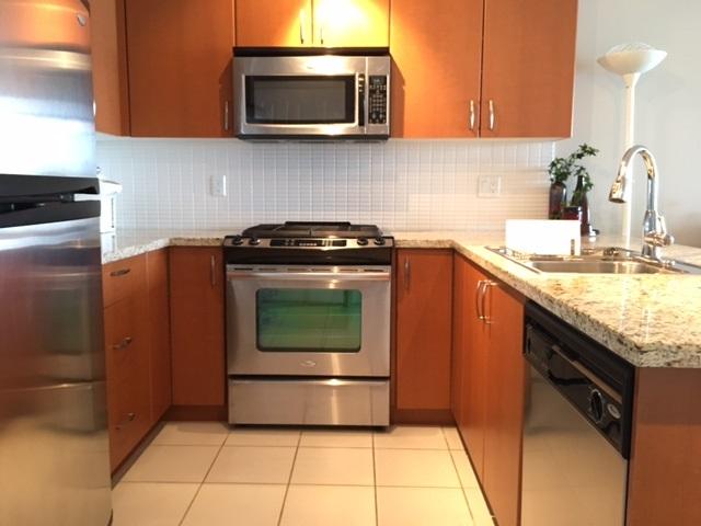 Condo Apartment at 1102 9188 UNIVERSITY CRESCENT, Unit 1102, Burnaby North, British Columbia. Image 7