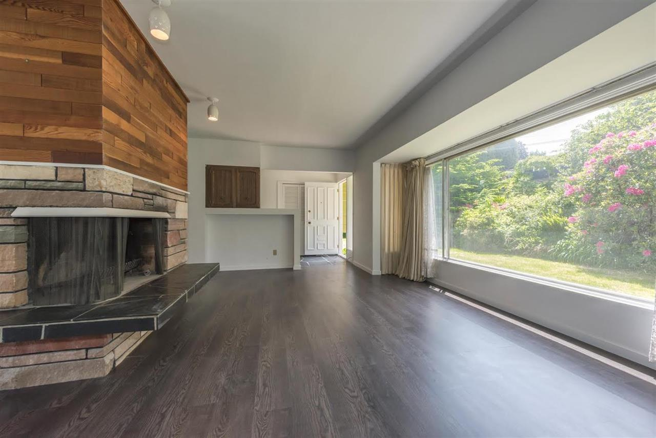 Detached at 5816 MALVERN AVENUE, Burnaby South, British Columbia. Image 6