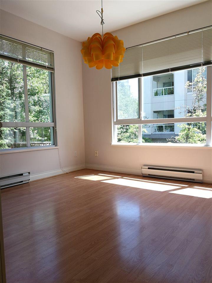 Condo Apartment at 234 5735 HAMPTON PLACE, Unit 234, Vancouver West, British Columbia. Image 4