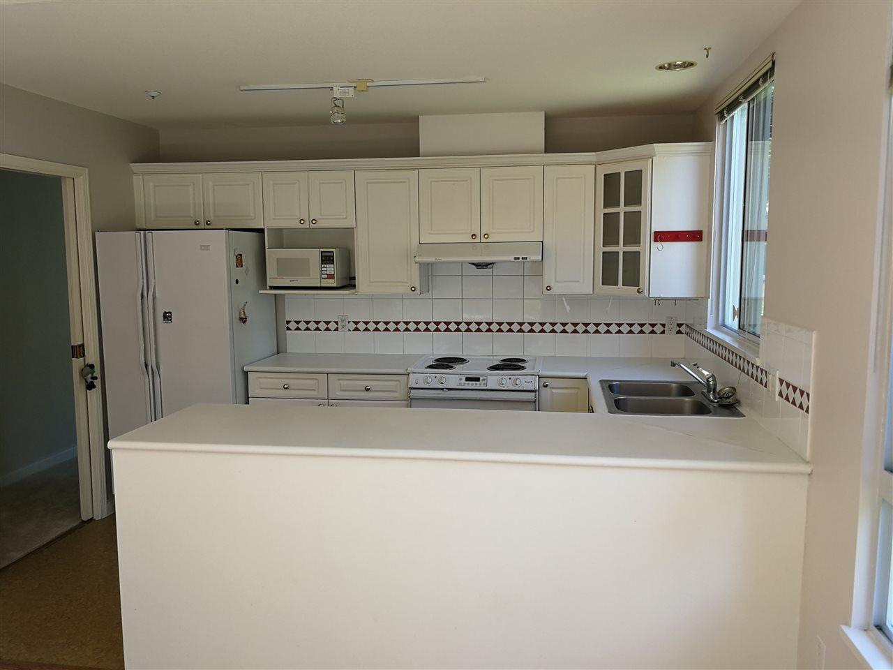 Condo Apartment at 234 5735 HAMPTON PLACE, Unit 234, Vancouver West, British Columbia. Image 5