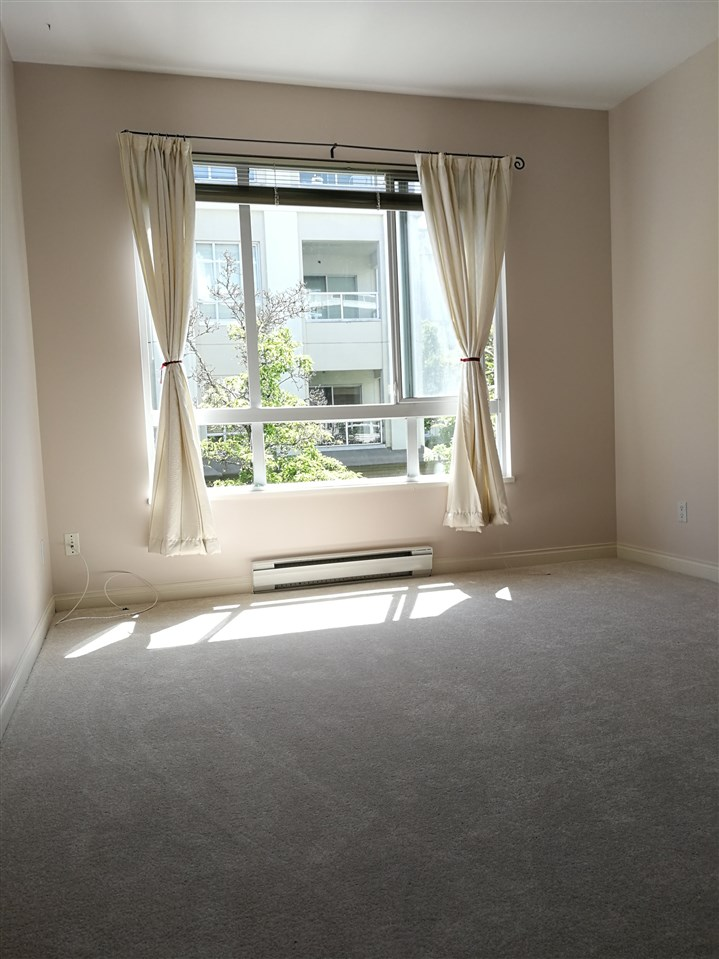 Condo Apartment at 234 5735 HAMPTON PLACE, Unit 234, Vancouver West, British Columbia. Image 7