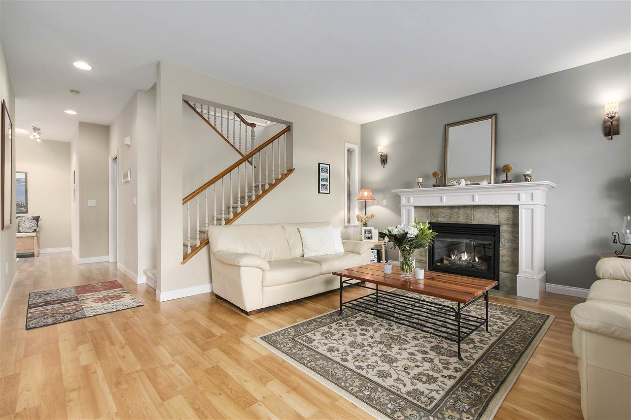 Detached at 6202 48A AVENUE, Ladner, British Columbia. Image 2