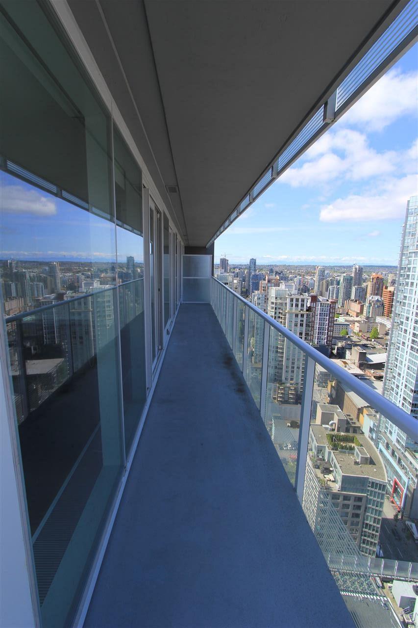 Condo Apartment at 3905 777 RICHARDS STREET, Unit 3905, Vancouver West, British Columbia. Image 12