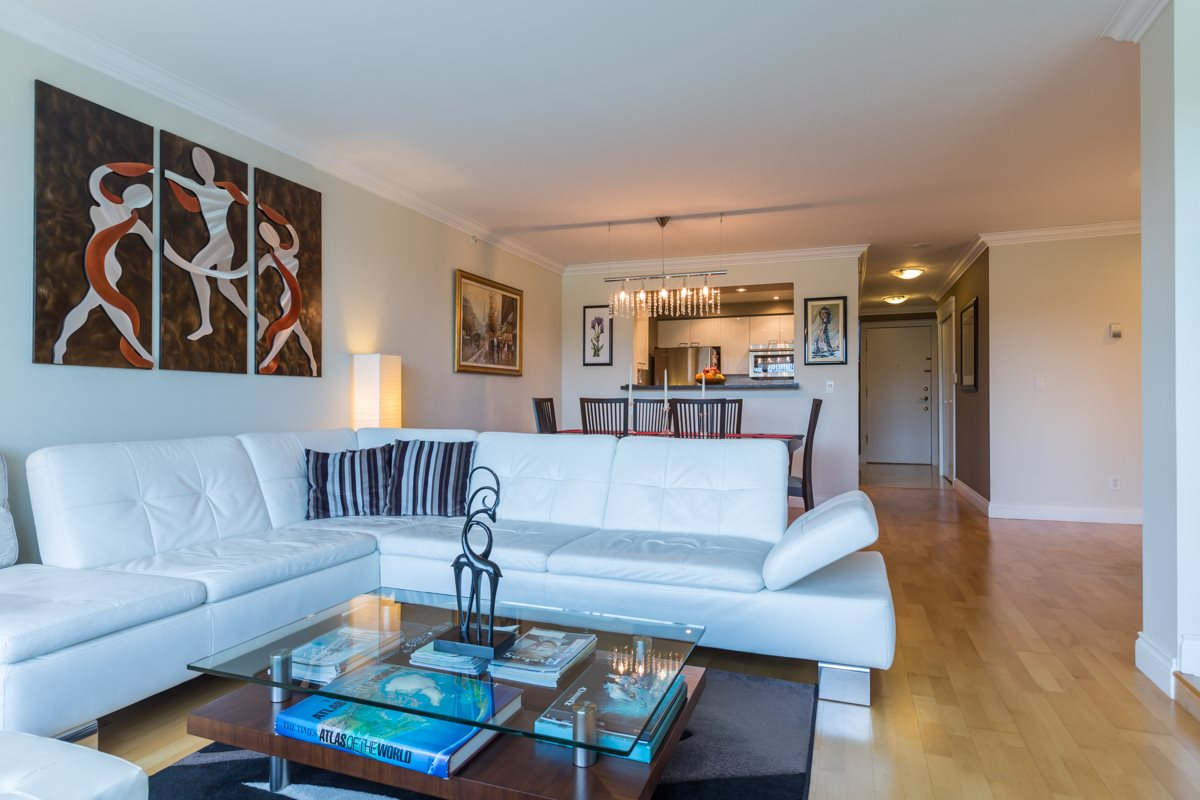 Condo Apartment at 303 388 DRAKE STREET, Unit 303, Vancouver West, British Columbia. Image 3
