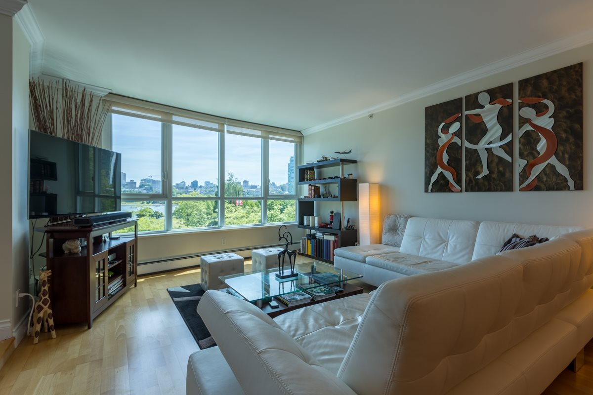 Condo Apartment at 303 388 DRAKE STREET, Unit 303, Vancouver West, British Columbia. Image 7