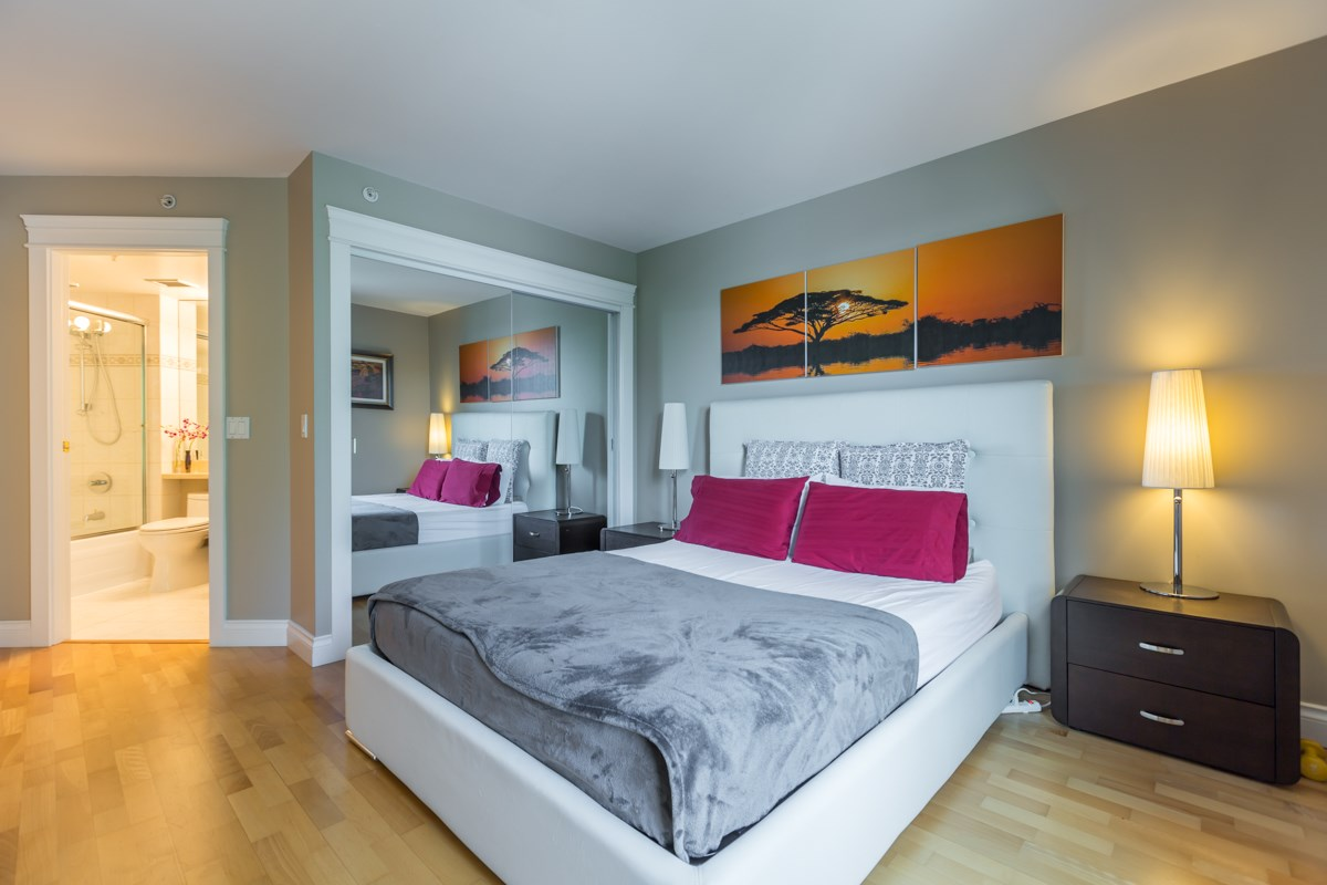 Condo Apartment at 303 388 DRAKE STREET, Unit 303, Vancouver West, British Columbia. Image 12
