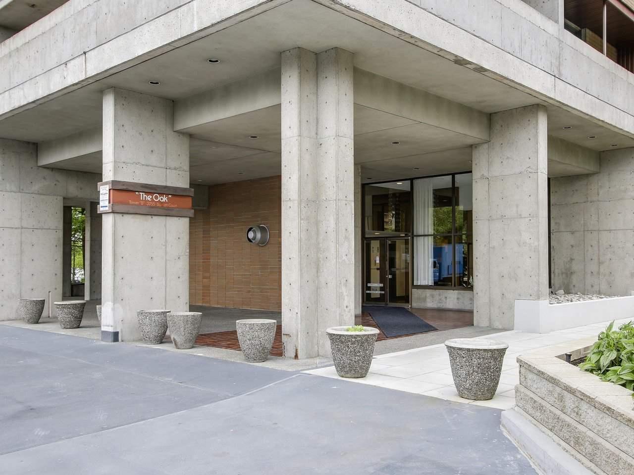 Condo Apartment at 905 3755 BARTLETT COURT, Unit 905, Burnaby North, British Columbia. Image 2