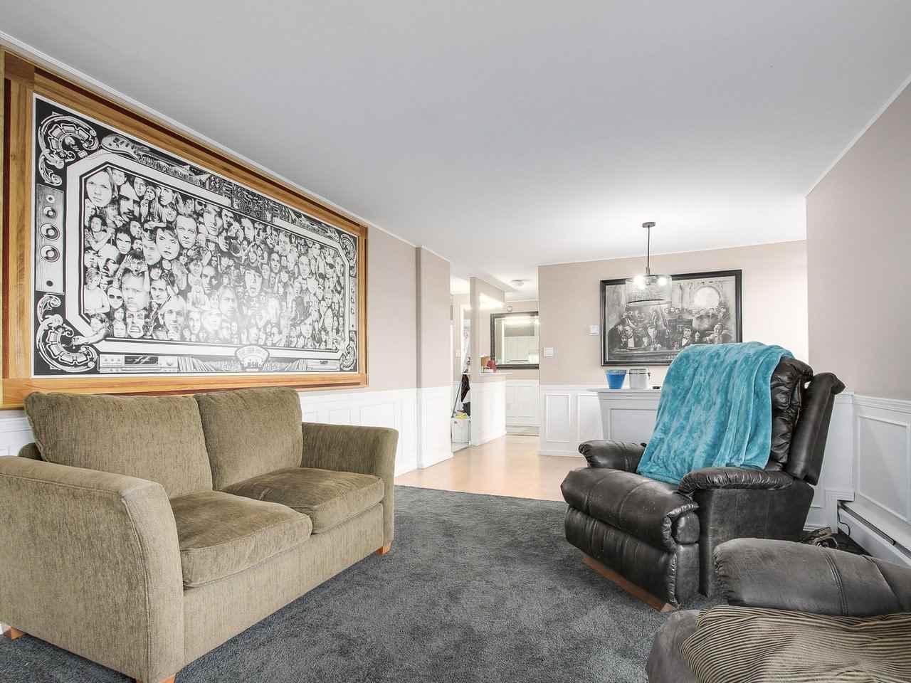 Condo Apartment at 905 3755 BARTLETT COURT, Unit 905, Burnaby North, British Columbia. Image 7