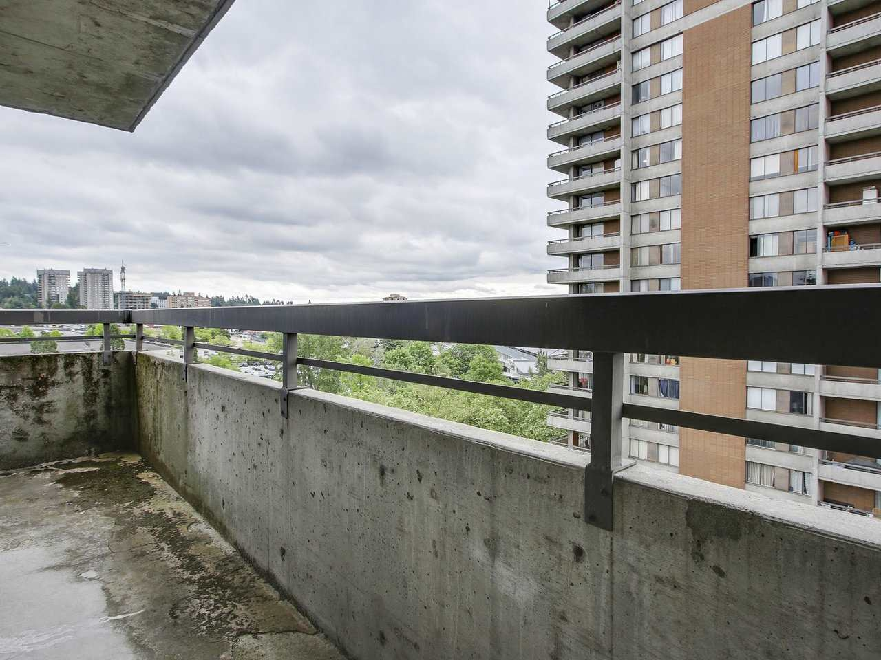 Condo Apartment at 905 3755 BARTLETT COURT, Unit 905, Burnaby North, British Columbia. Image 8