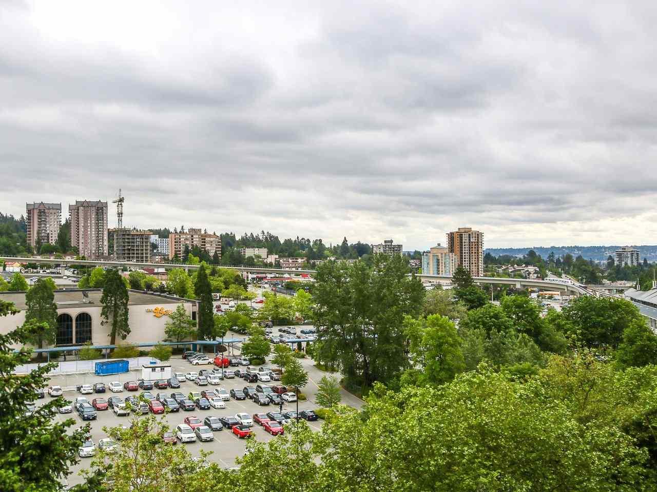 Condo Apartment at 905 3755 BARTLETT COURT, Unit 905, Burnaby North, British Columbia. Image 9