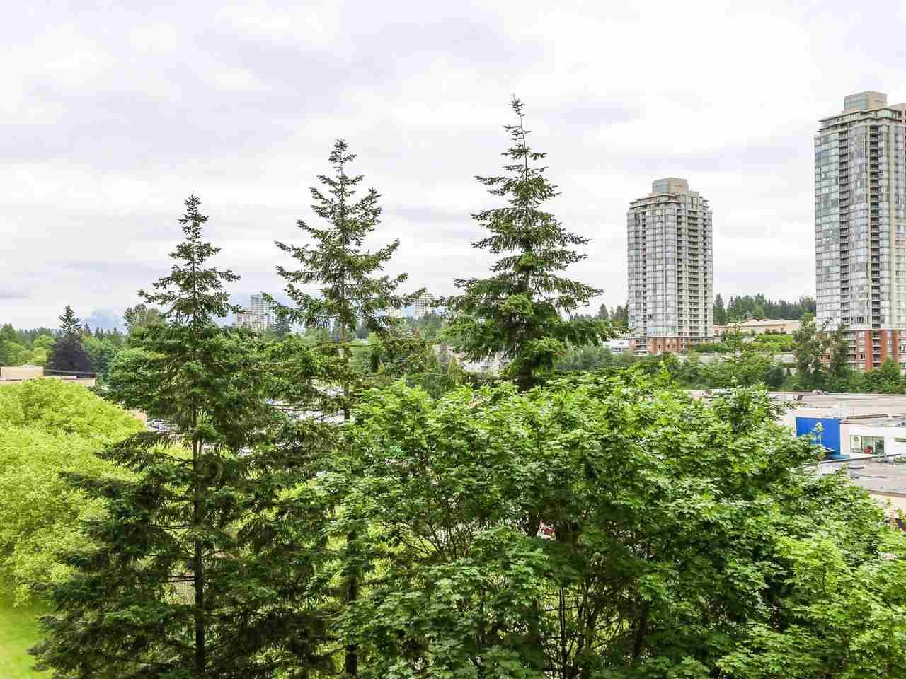 Condo Apartment at 905 3755 BARTLETT COURT, Unit 905, Burnaby North, British Columbia. Image 11