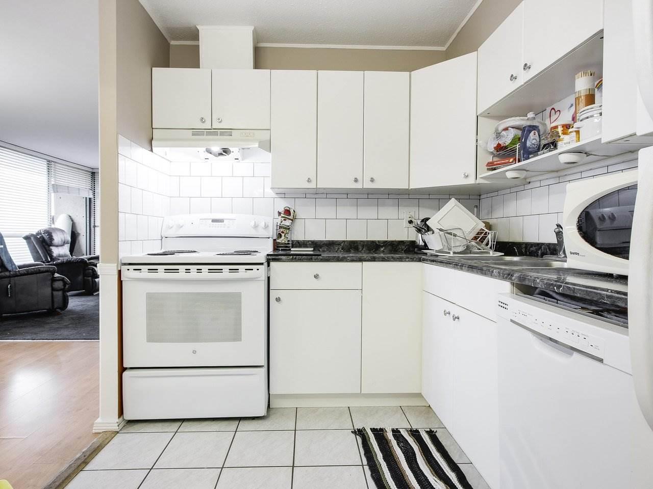 Condo Apartment at 905 3755 BARTLETT COURT, Unit 905, Burnaby North, British Columbia. Image 12