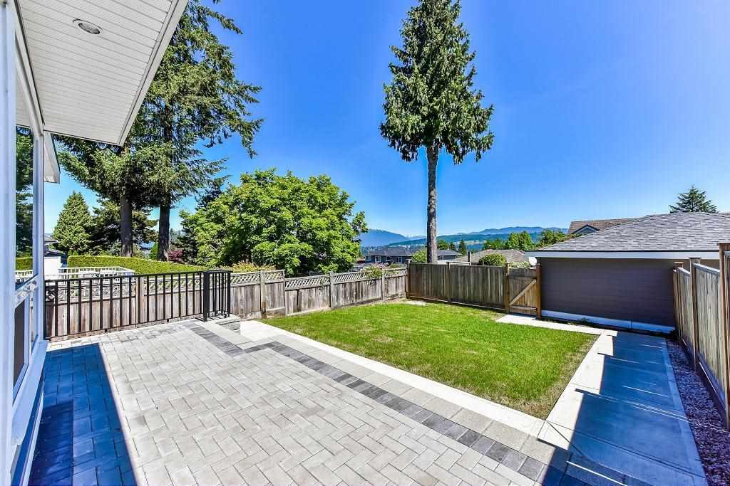 Half-duplex at 6076 WALKER AVENUE, Burnaby South, British Columbia. Image 19