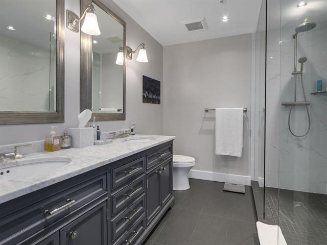 Condo Apartment at 1003 5657 HAMPTON PLACE, Unit 1003, Vancouver West, British Columbia. Image 12