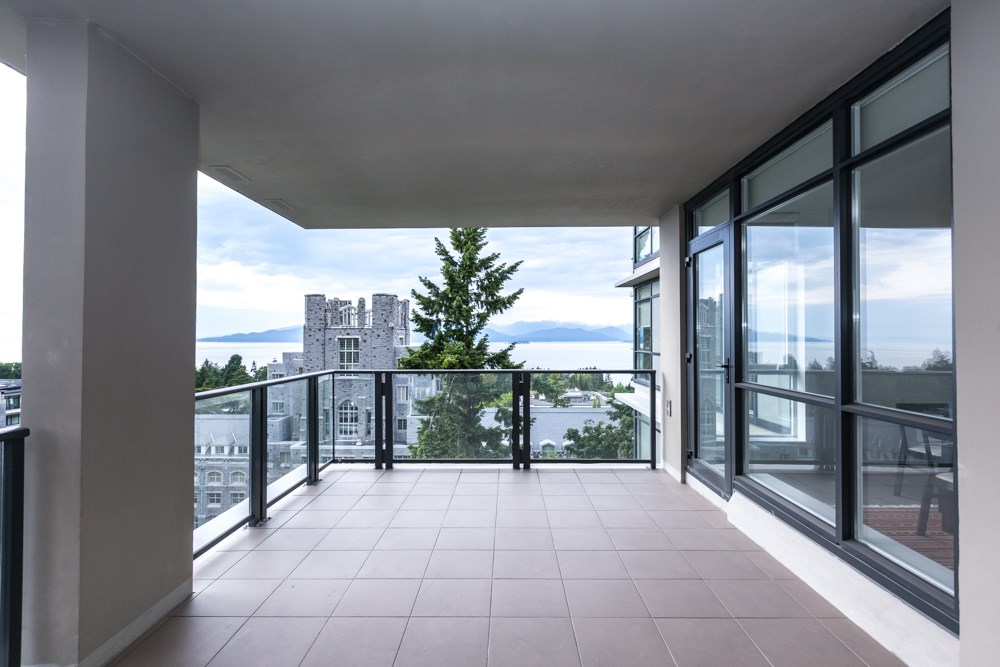 Condo Apartment at 1003 5989 WALTER GAGE ROAD, Unit 1003, Vancouver West, British Columbia. Image 18