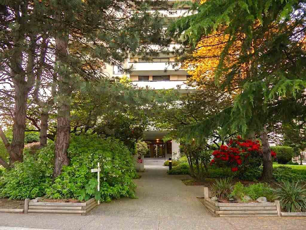 Condo Apartment at 404 7171 BERESFORD STREET, Unit 404, Burnaby South, British Columbia. Image 1