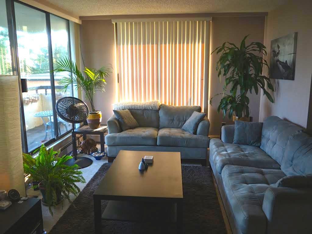 Condo Apartment at 404 7171 BERESFORD STREET, Unit 404, Burnaby South, British Columbia. Image 2
