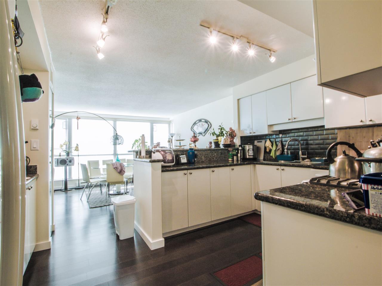 Condo Apartment at 1701 8238 SABA ROAD, Unit 1701, Richmond, British Columbia. Image 5