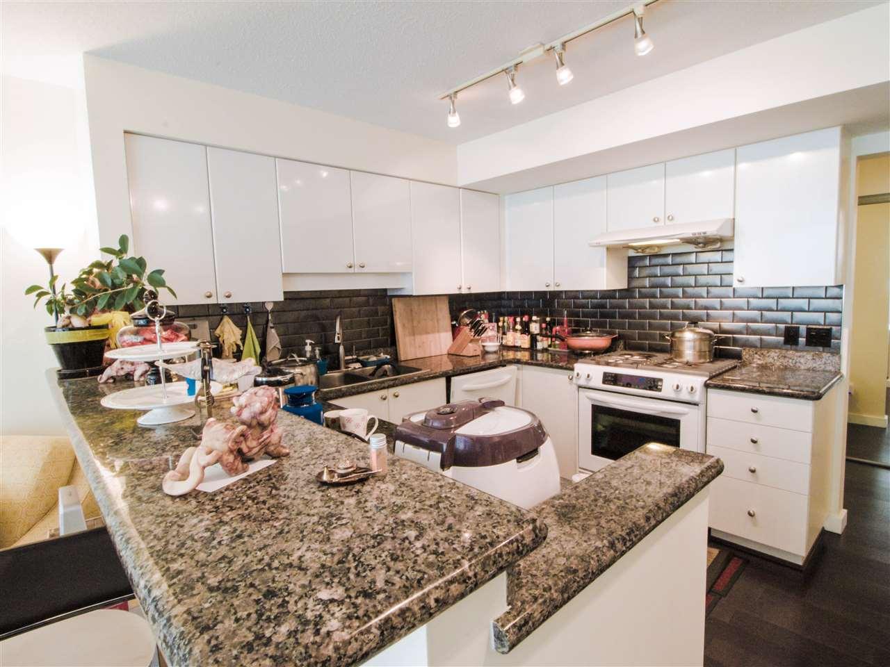 Condo Apartment at 1701 8238 SABA ROAD, Unit 1701, Richmond, British Columbia. Image 7