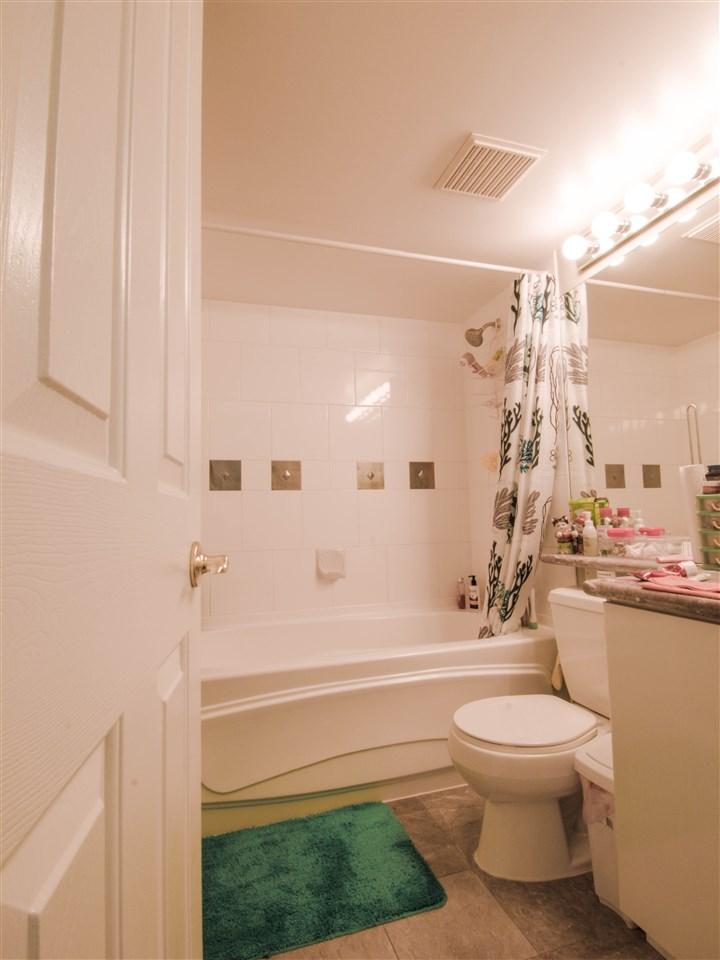 Condo Apartment at 1701 8238 SABA ROAD, Unit 1701, Richmond, British Columbia. Image 9