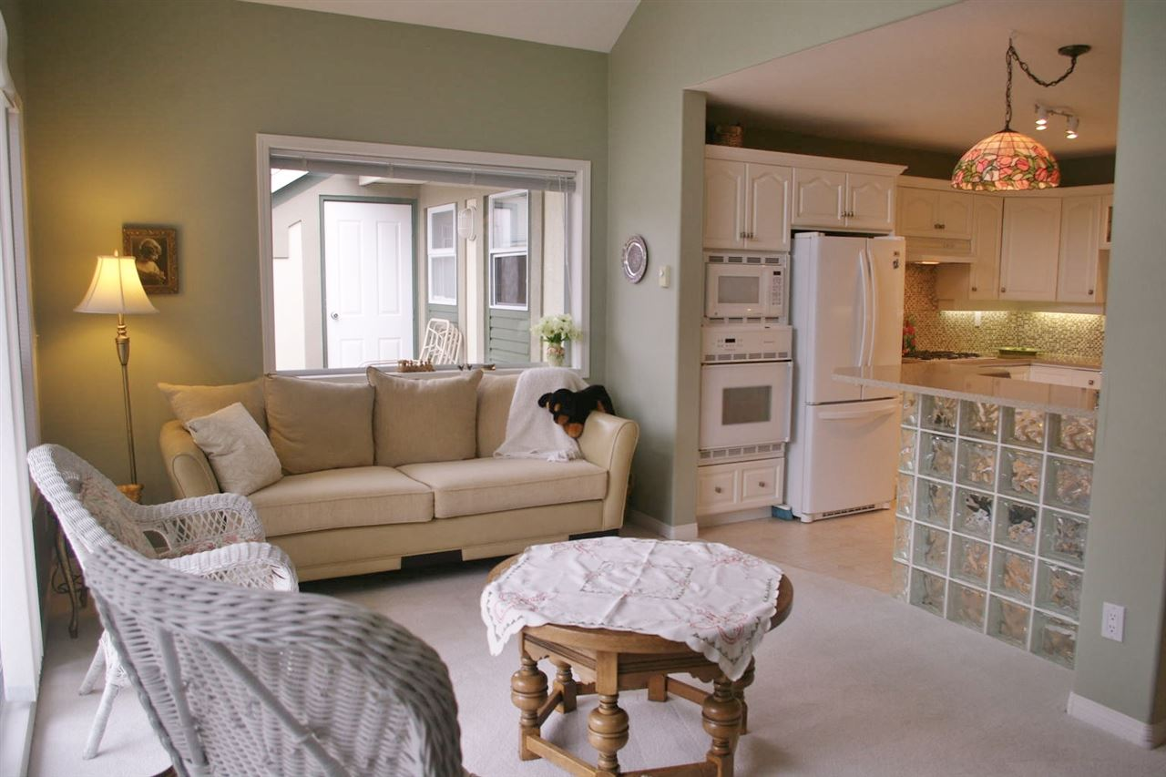 Townhouse at 111 4001 OLD CLAYBURN ROAD, Unit 111, Abbotsford, British Columbia. Image 4