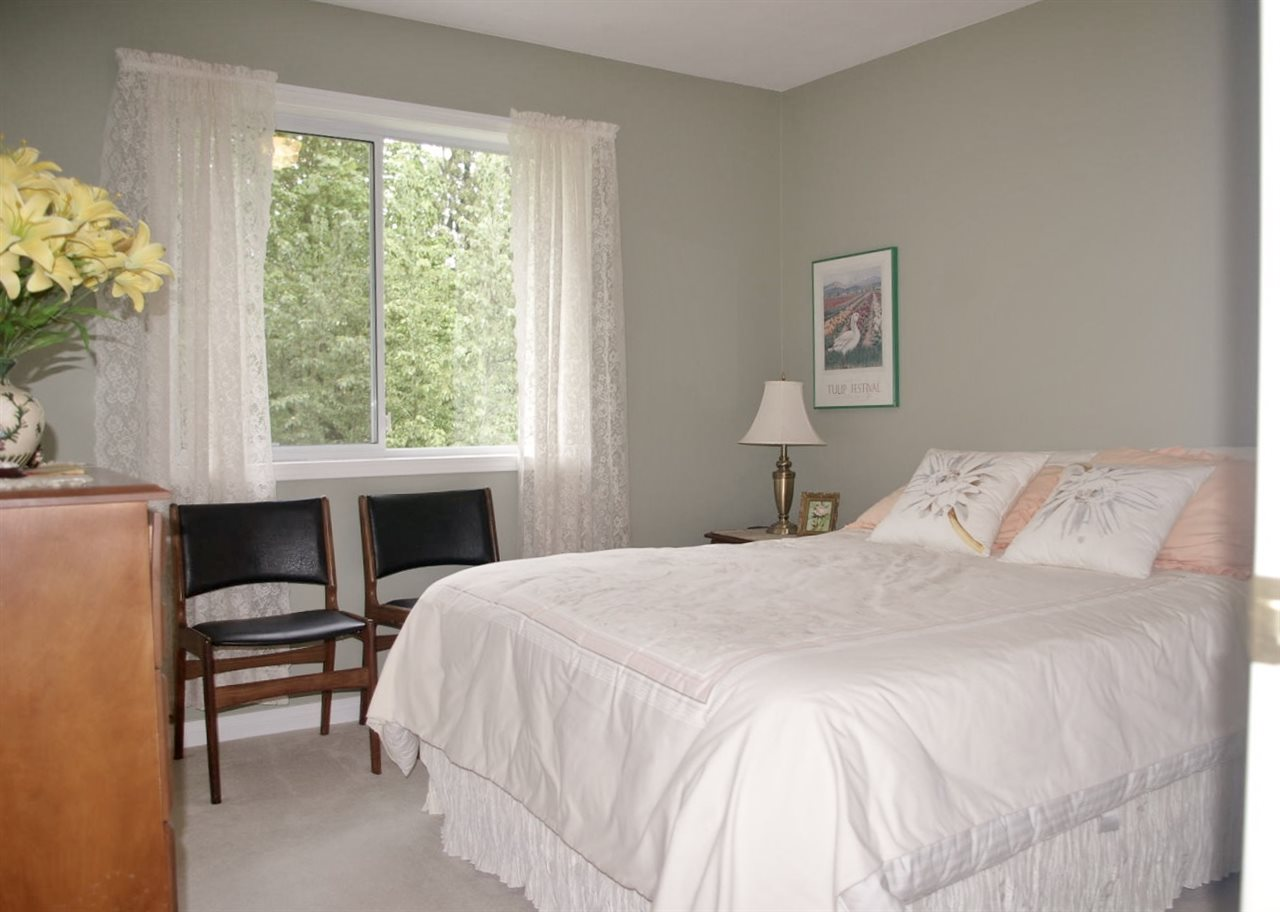 Townhouse at 111 4001 OLD CLAYBURN ROAD, Unit 111, Abbotsford, British Columbia. Image 10