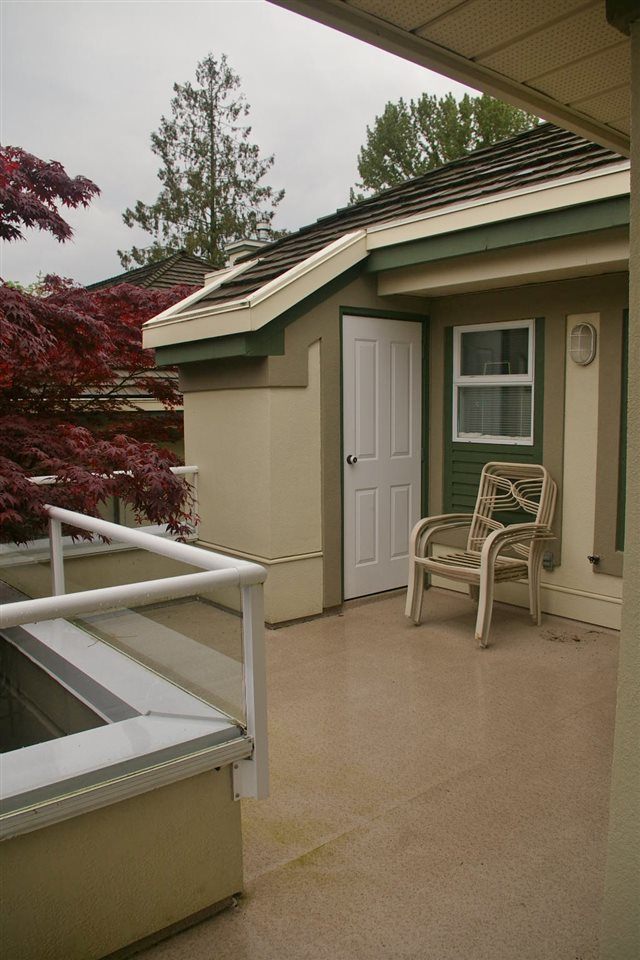 Townhouse at 111 4001 OLD CLAYBURN ROAD, Unit 111, Abbotsford, British Columbia. Image 13