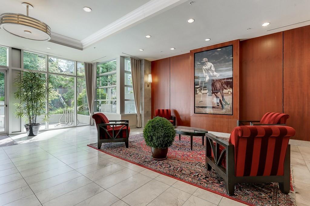 Condo Apartment at 2405 1211 MELVILLE STREET, Unit 2405, Vancouver West, British Columbia. Image 2