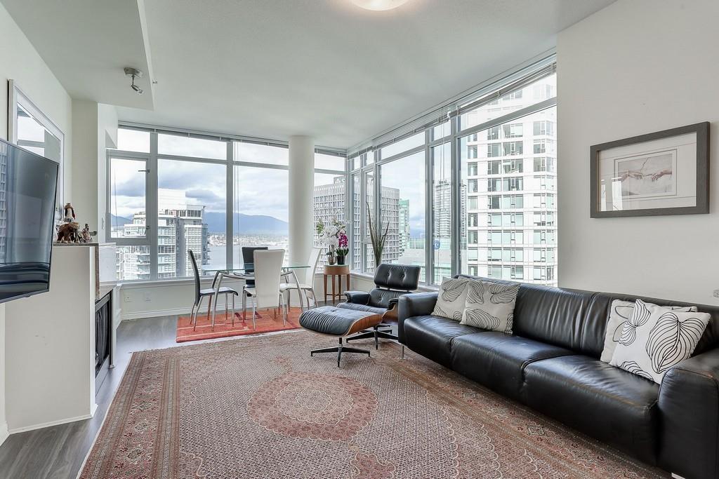 Condo Apartment at 2405 1211 MELVILLE STREET, Unit 2405, Vancouver West, British Columbia. Image 3