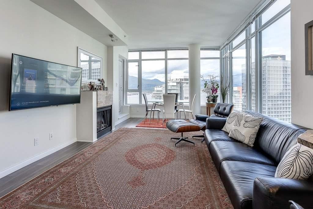 Condo Apartment at 2405 1211 MELVILLE STREET, Unit 2405, Vancouver West, British Columbia. Image 4