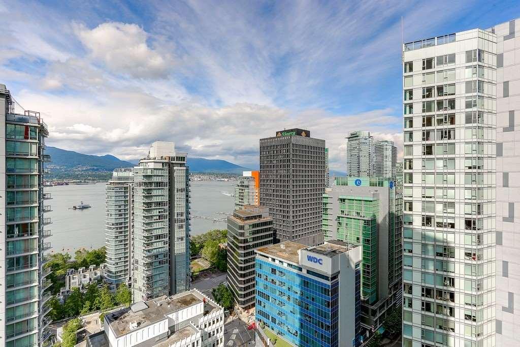 Condo Apartment at 2405 1211 MELVILLE STREET, Unit 2405, Vancouver West, British Columbia. Image 8