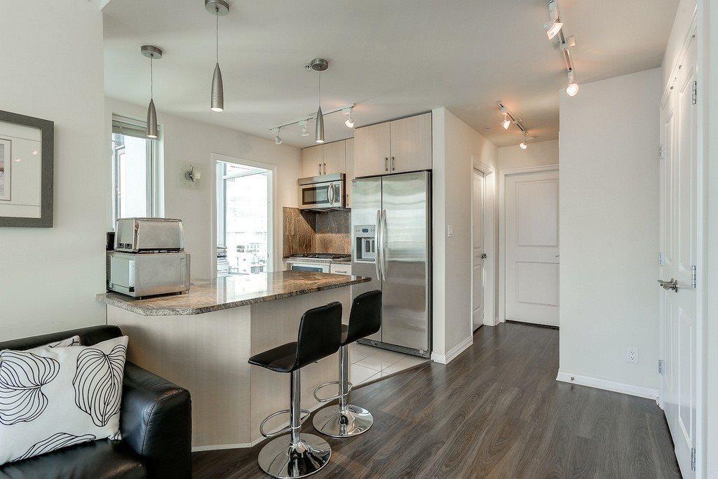Condo Apartment at 2405 1211 MELVILLE STREET, Unit 2405, Vancouver West, British Columbia. Image 9