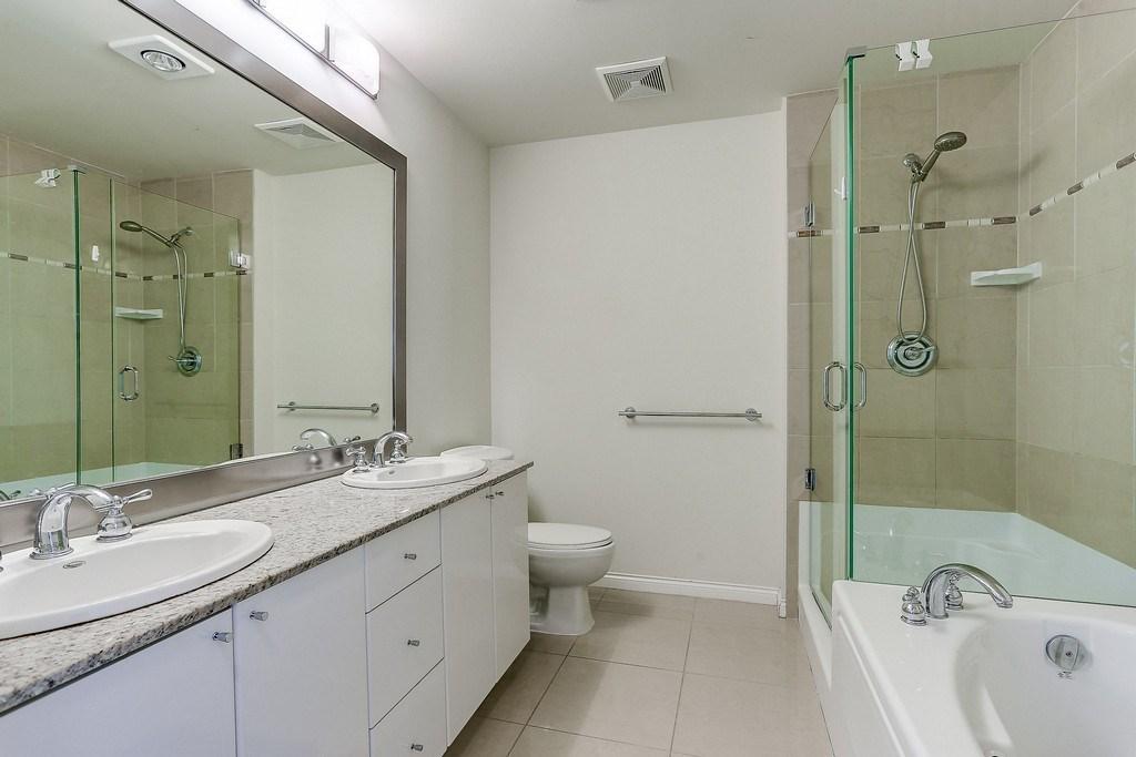 Condo Apartment at 2405 1211 MELVILLE STREET, Unit 2405, Vancouver West, British Columbia. Image 14