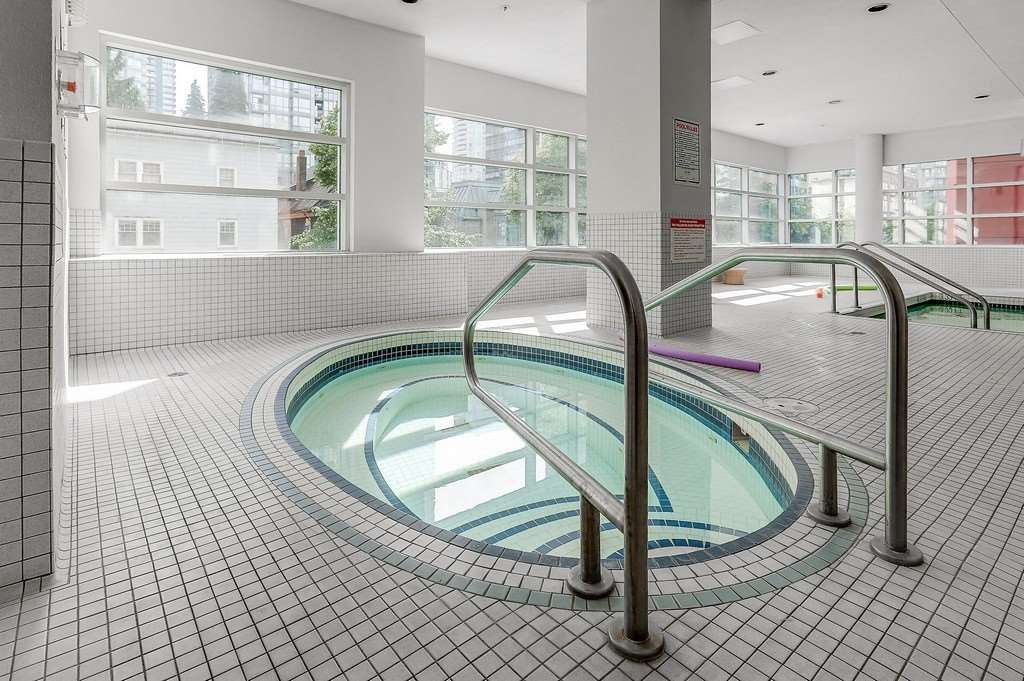 Condo Apartment at 2405 1211 MELVILLE STREET, Unit 2405, Vancouver West, British Columbia. Image 19