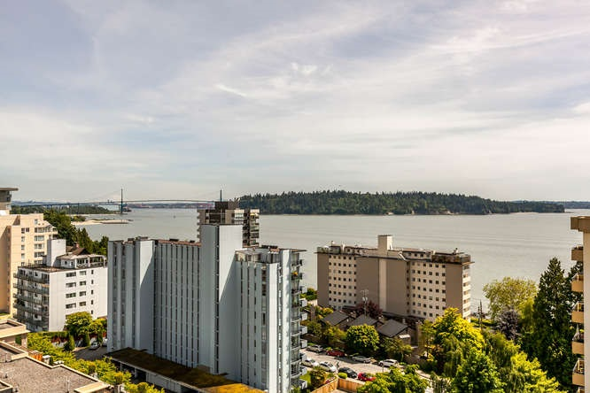 Condo Apartment at 702 1930 MARINE DRIVE, Unit 702, West Vancouver, British Columbia. Image 14