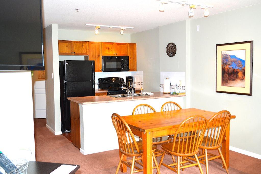 Condo Apartment at 353 4314 MAIN STREET, Unit 353, Whistler, British Columbia. Image 4