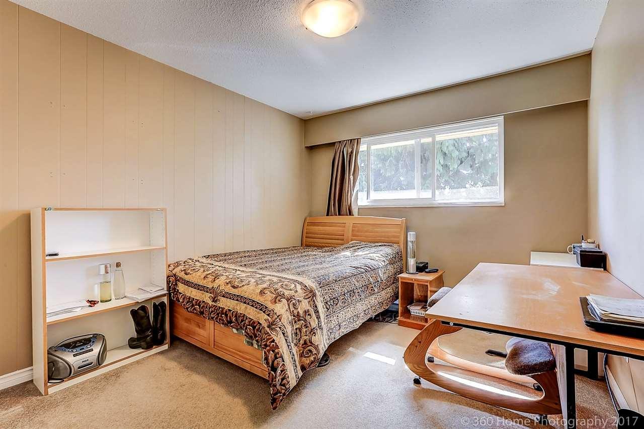Detached at 9231 GLENALLAN DRIVE, Richmond, British Columbia. Image 10