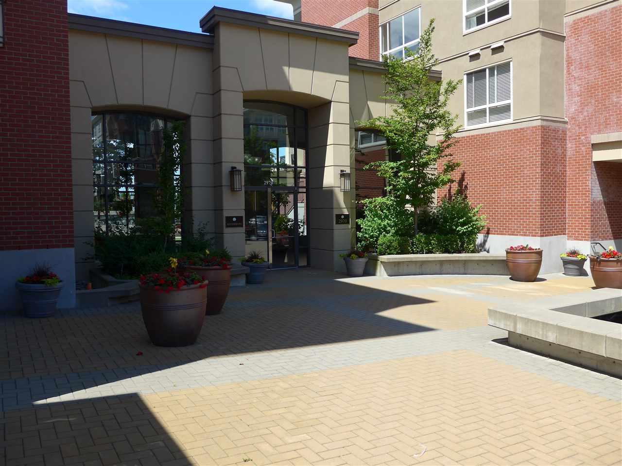 Condo Apartment at 324 2970 KING GEORGE BOULEVARD, Unit 324, South Surrey White Rock, British Columbia. Image 2