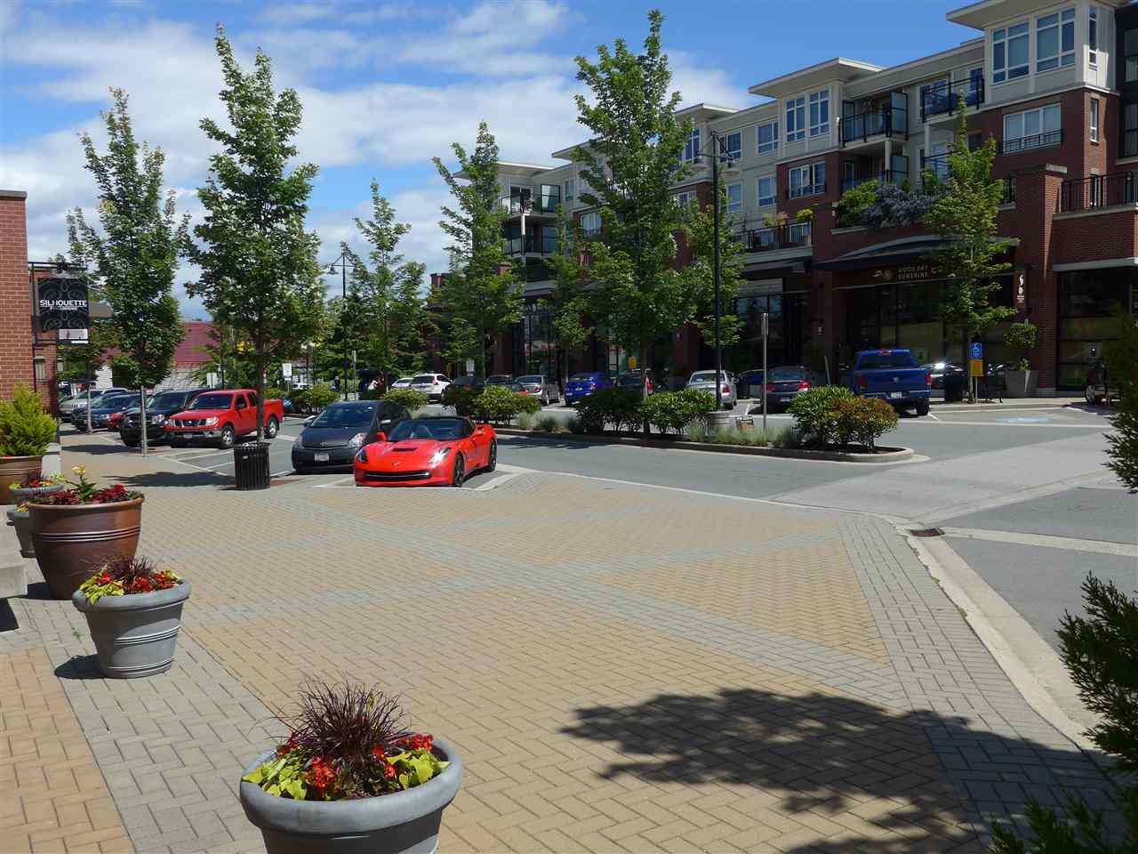 Condo Apartment at 324 2970 KING GEORGE BOULEVARD, Unit 324, South Surrey White Rock, British Columbia. Image 3