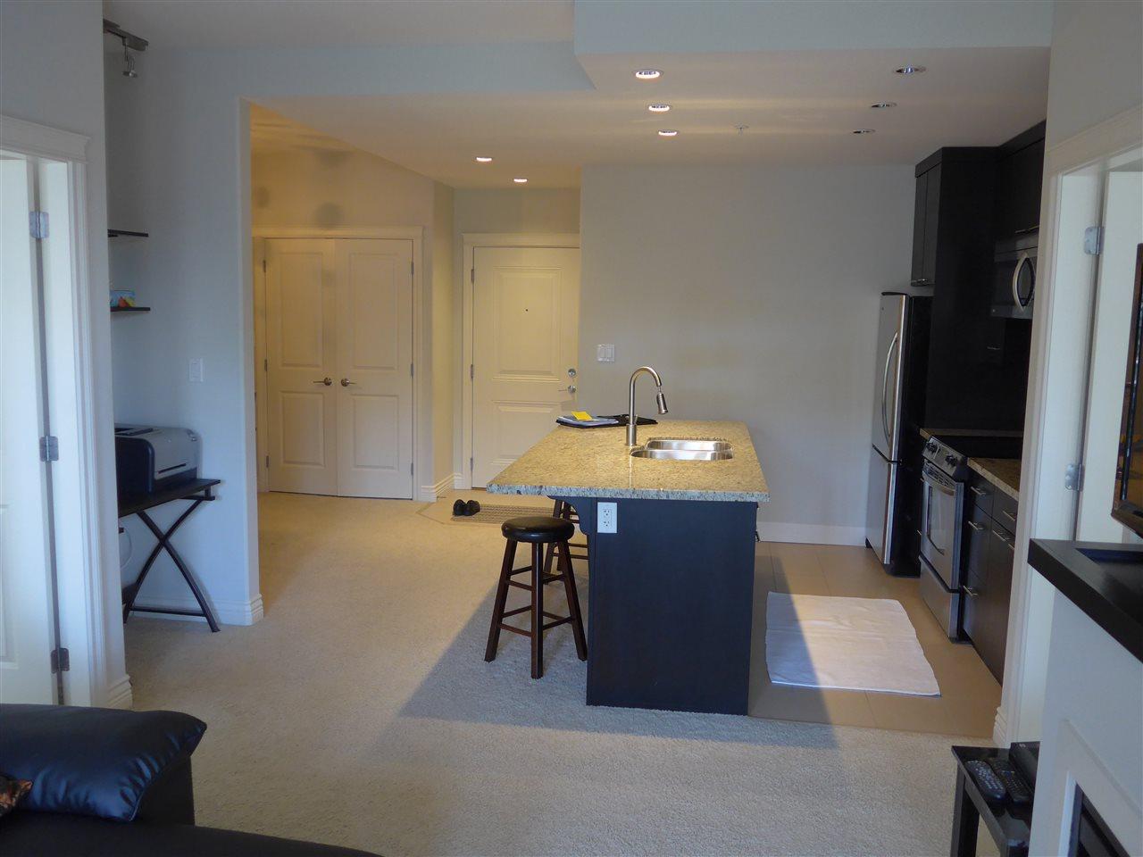 Condo Apartment at 324 2970 KING GEORGE BOULEVARD, Unit 324, South Surrey White Rock, British Columbia. Image 6