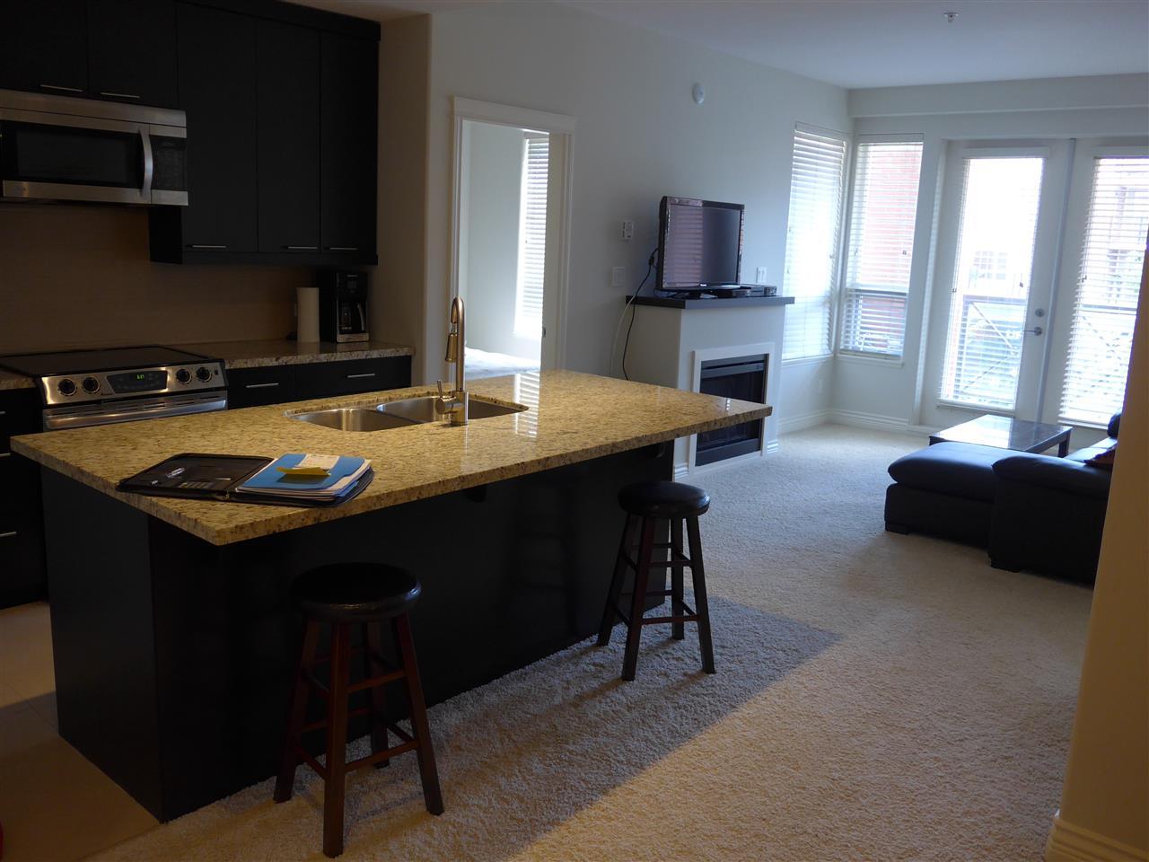 Condo Apartment at 324 2970 KING GEORGE BOULEVARD, Unit 324, South Surrey White Rock, British Columbia. Image 9
