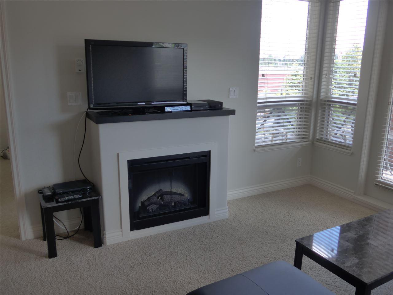 Condo Apartment at 324 2970 KING GEORGE BOULEVARD, Unit 324, South Surrey White Rock, British Columbia. Image 15