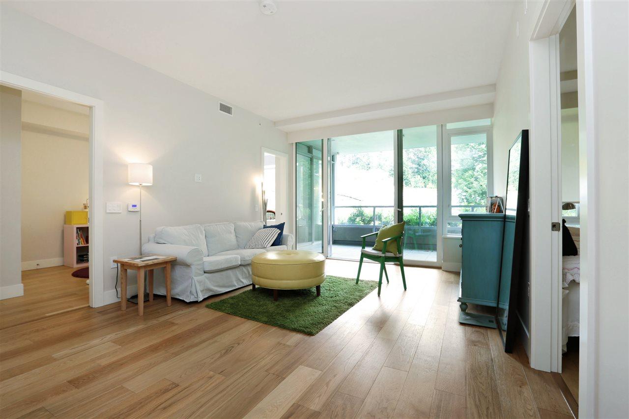 Condo Apartment at 201 866 ARTHUR ERICKSON PLACE, Unit 201, West Vancouver, British Columbia. Image 3
