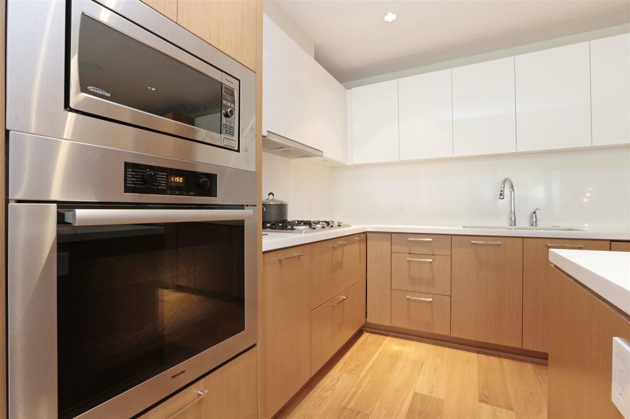 Condo Apartment at 201 866 ARTHUR ERICKSON PLACE, Unit 201, West Vancouver, British Columbia. Image 8