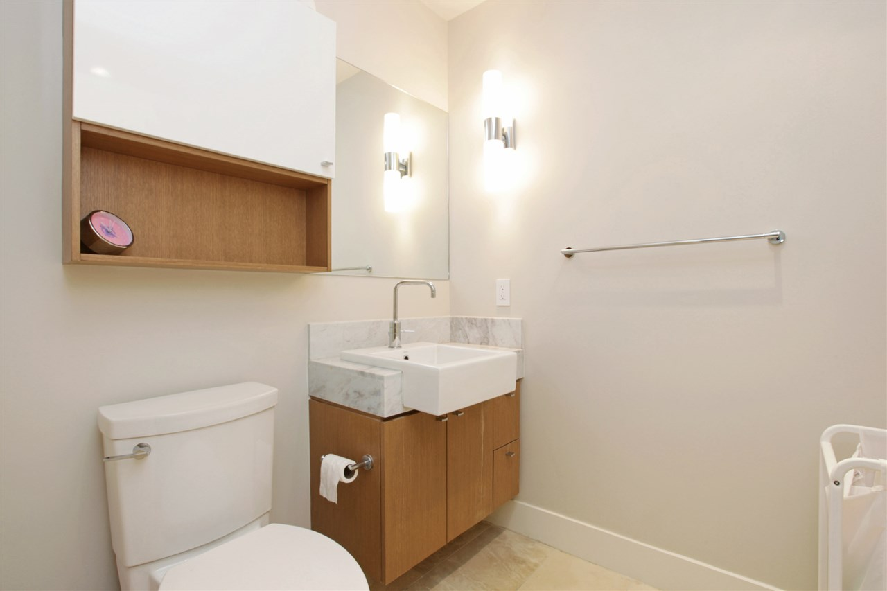 Condo Apartment at 201 866 ARTHUR ERICKSON PLACE, Unit 201, West Vancouver, British Columbia. Image 15