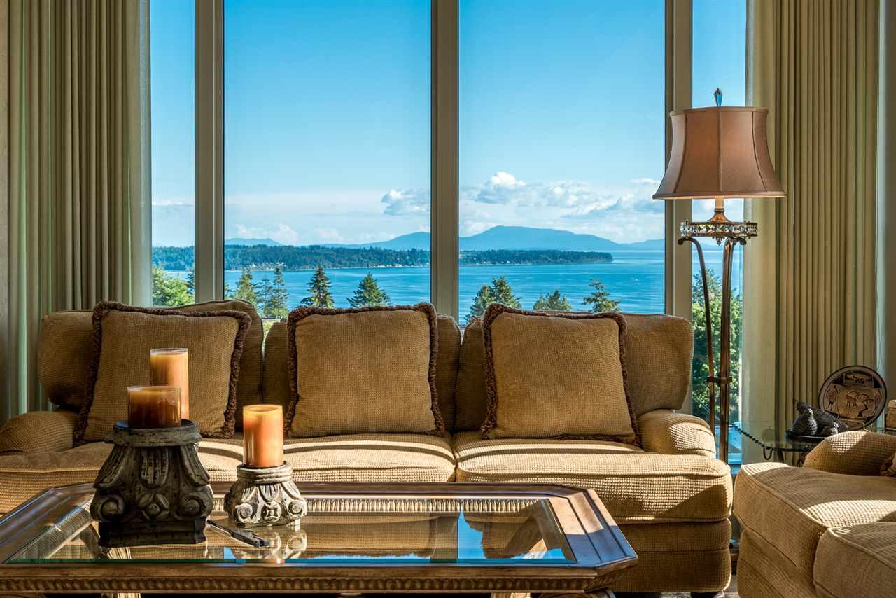 Condo Apartment at 701 1550 MARTIN STREET, Unit 701, South Surrey White Rock, British Columbia. Image 8