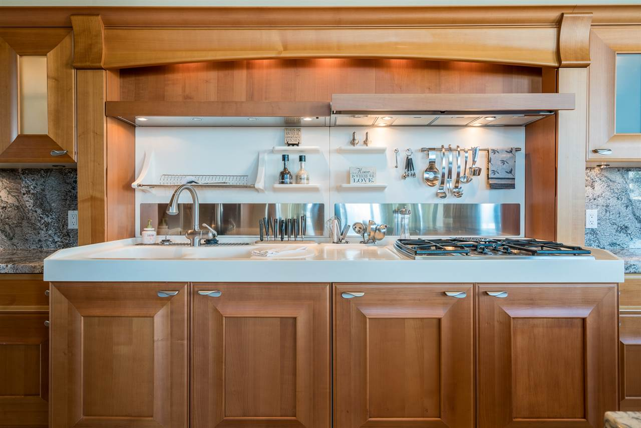 Condo Apartment at 701 1550 MARTIN STREET, Unit 701, South Surrey White Rock, British Columbia. Image 13